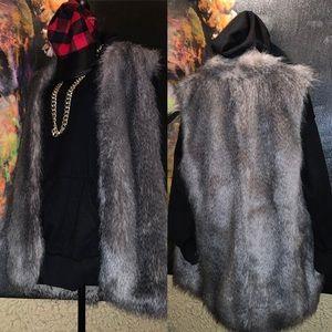 Banana Republic faux fur vest oversized NWT XL